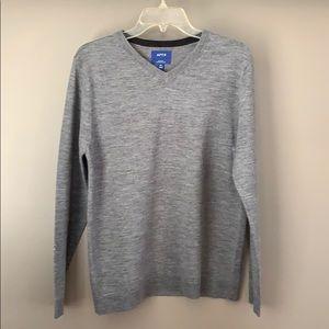 APT.9 Merino Wool Gray V-Neck Sweater